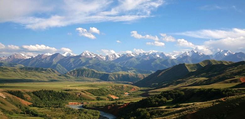 Mountain Views in Eki Naryn